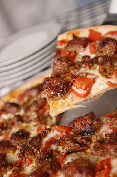 classic, sausage, pizza