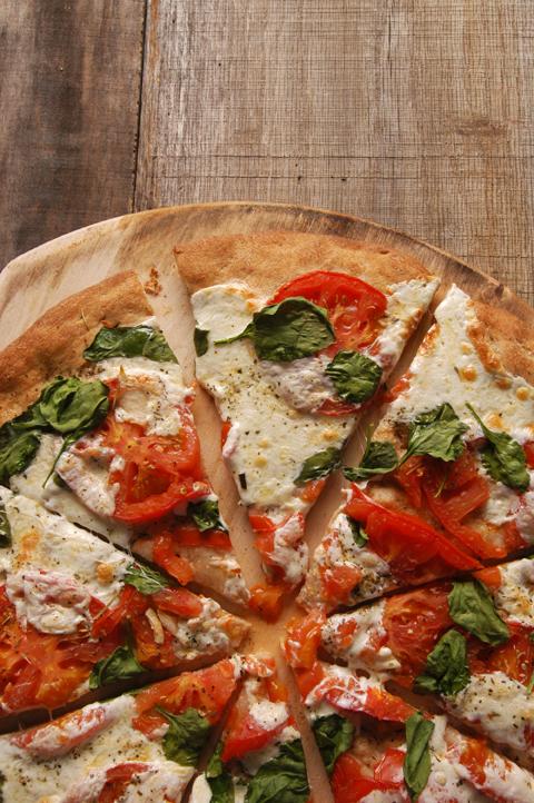 wheat crust margherita pizza