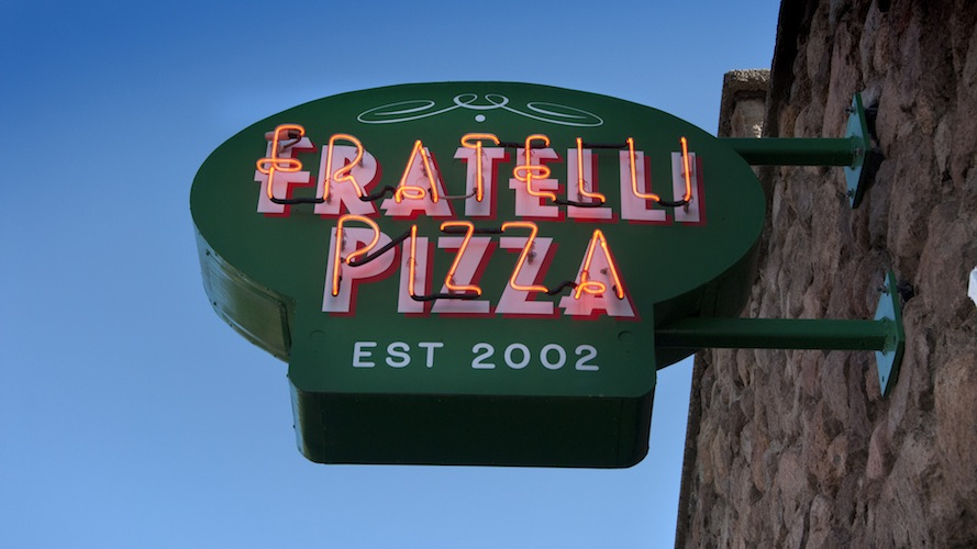 Fratelli Pizza neon_sign