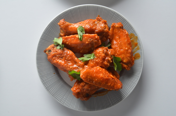 chicken wings with mild garlic sauce