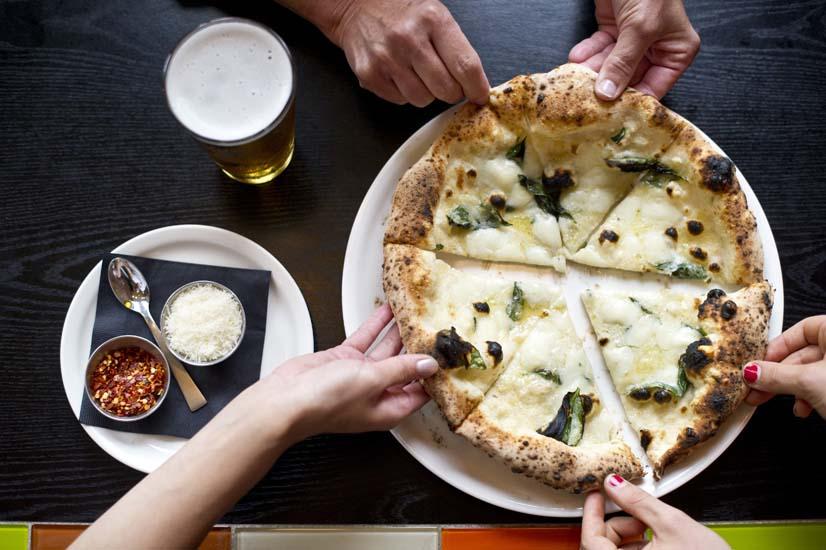 Abruzzo, pizza, white pizza