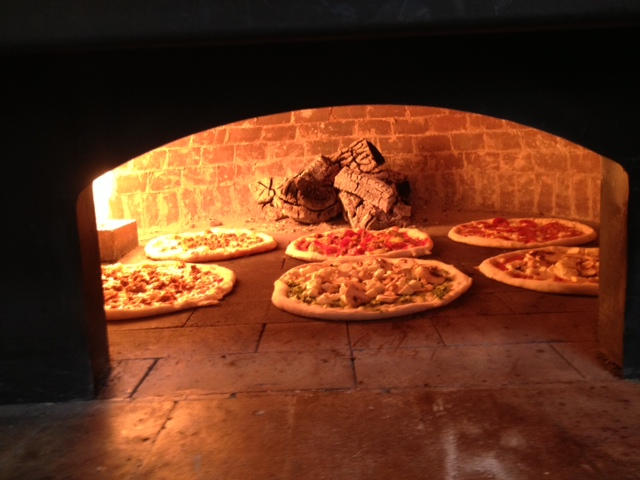wood oven, bake, fast casual, pizza