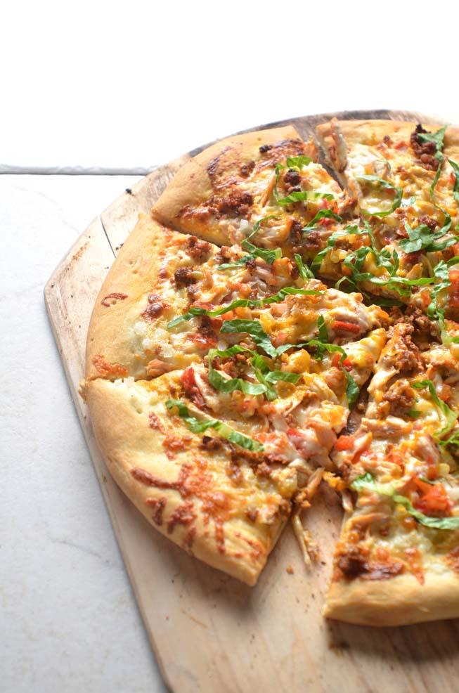 Choripollo Pizza, mexican pizza, chicken, chorizo, salsa, queso blanco