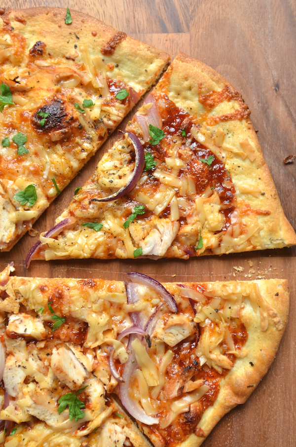 BBQ chicken and smoke scamorza pizza