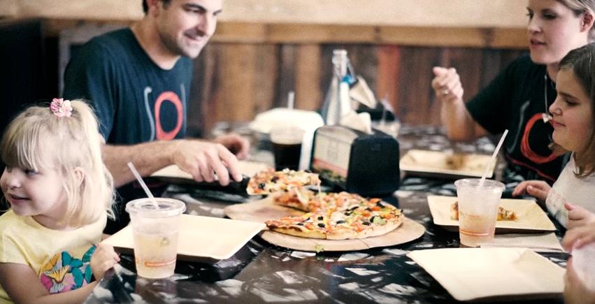sol pie pizza, canton, ohio, pizzeria, sustainable food, green pizzeria