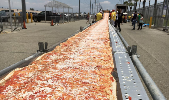 world's longest pizza, guinness record